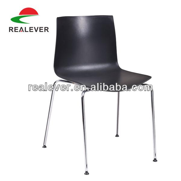 بسيطة من البلاستيك تصميم تكويم الجانبية كراسي السفرة يستخدم الكرسي لمطعم