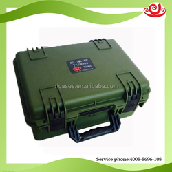 Small plastic dustproof anti-low or high temperature pelicase with handle