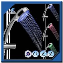 7 cores múltipla mudando hidro LED cabeça de chuveiro Rainfall luz