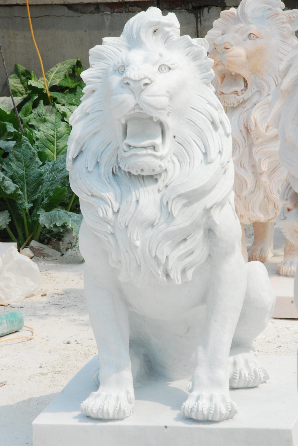 Attrayant ... Large Stone Lion Statues For Sale ...