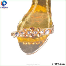 2014 Fashionable newest design Gold shoe buckles for human being