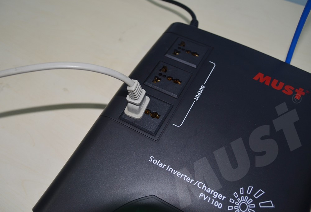 Portable petits onduleurs à onde sinusoïdale pure 1000 watts solaire micro onduleur 220 v