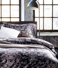 Queen Size Bedding Set with Pillow Cover Bedsheets and Quilt Cover