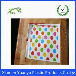 Fashion colorful dot printed with plastic drawstring gift bags