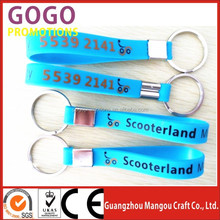 Made in china high quality factory popular new design silicone bracelet key ring, hot sale silicone bracelet key ring / keychain
