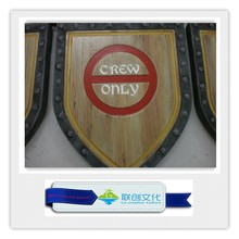Wood-imitation fiberglass direction sign board for park