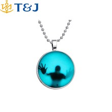 >>>European Atlantis Antique Silver Glow In Dark Locket Pierced Round Luminous Halloween Pendant Necklace/