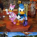 Mi- dino de jardín de resina de dibujos animados del pato donald estatua