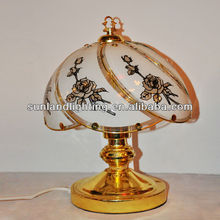gold finish body contemporary pattern glass table lamp