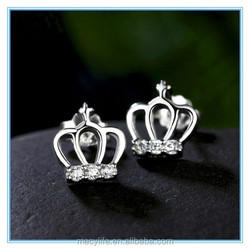 MECY LIFE Retro crown molding high-grade zircon white gold stud earrings