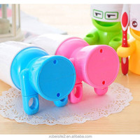 M006 good quality bathroom products travel portable plastic cup