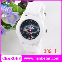 2015 Fashion CE&ROHS certificated promotion geneva quartz silicone watch with low price