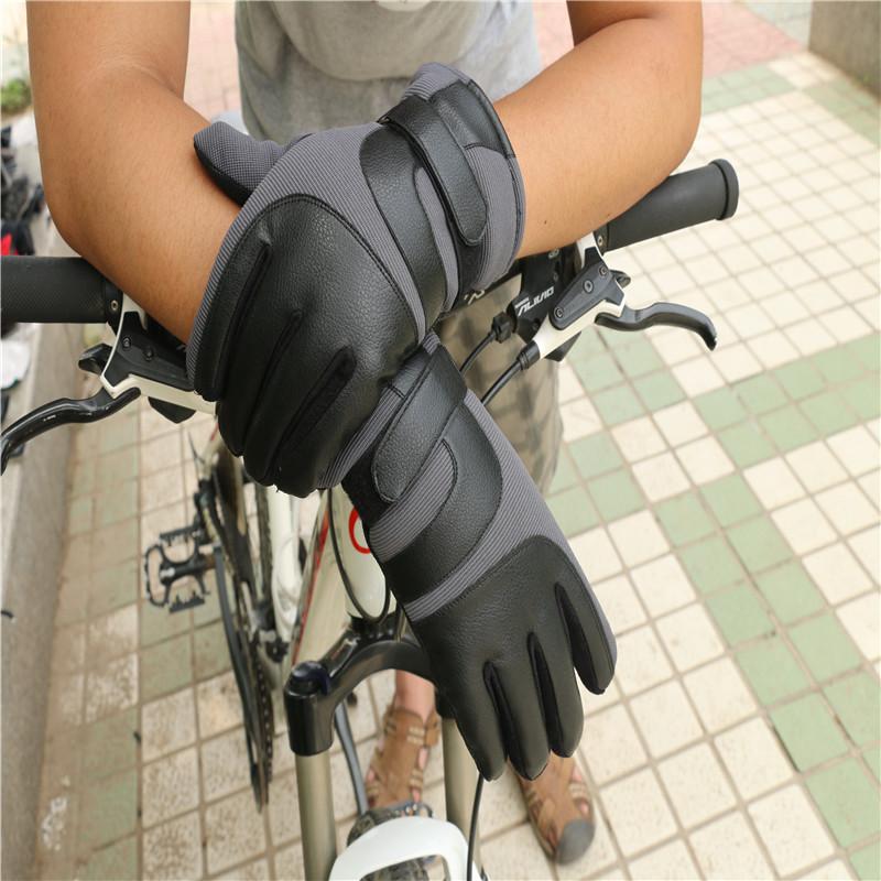 Sport Gloves19.jpg