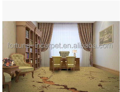 Wilton floral broadloom wall to wall carpet for five stars for Floral pattern wall to wall carpet