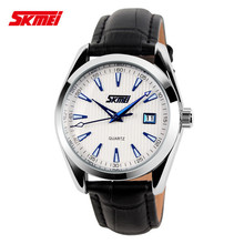man classic style leather band quartz movt day date watch