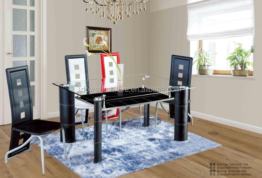 Muebles de comedor con la mesa de vidrio y sillas de colores for Muebles comedor disea o
