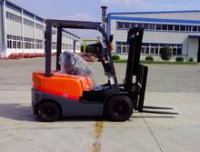 1.5t Mini ISUZU Engine Diesel Forklift Truck