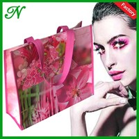 2015 hot sale factory price pink promotional glossy pp laminated non woven women shopping bag with pp webbing handle