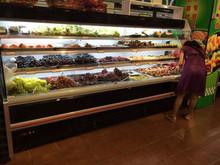 grocery vegetable display showcase/case