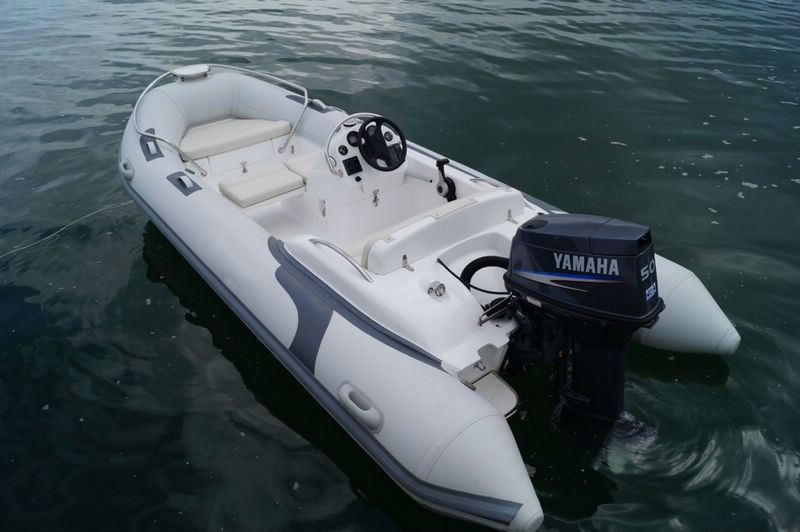 Liya inflatable rib sport luxury motor boat small for Small motor boat cost