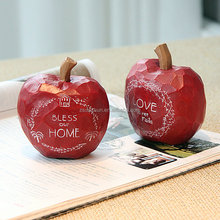 Fashion elegent red color resinl apple figurine, Blessing apples for wedding gift