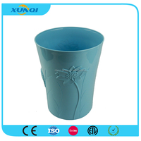 Hot Sale Plastic Dustbin for Home with Wate Lily on It