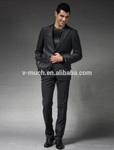 Las trajes de negocios para los hombres