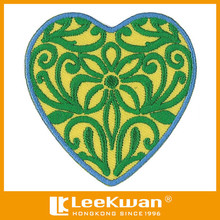 Woven fabric Embroidered desgin heart design patches for garment accessories