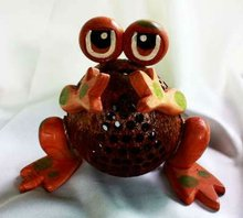 Coconut Shell Lamp Animal frog shape, Thai Coconut Shell Coconut shell lamp Manufacturer Supplier Exporter from Thailand