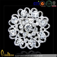 Fashion white flower cheap bulk rhinestone brooch