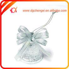 ornamento de la navidad de hierro brillantes tintinean astilla con campana de la cinta