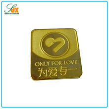 Excellent Quality Metal Love Golden Butterfly Clasp Enamel Lapel Pin