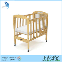 Classic Design Clear Panel Adjustable Solid Baby Wooden Bed