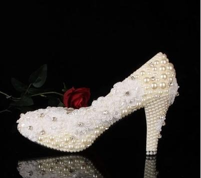 2016 Gorgeous Fashion Stiletto Heel Round Toe Lady  Shoes crystal and pearl wedding shoes Lace flower White Bridal Dress Shoes