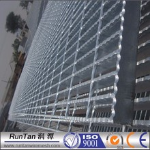 high quality cheap I type steel grating panels / serrated bearing bar grating (ISO9001)