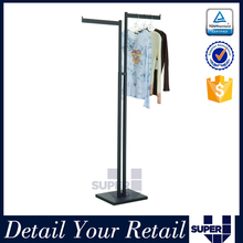 Metal wood clothes store fixture 4 arm swivel scarf display rack