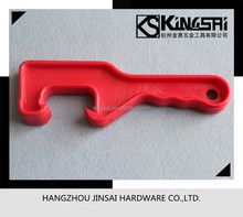 Plastic lid opener for oil paint