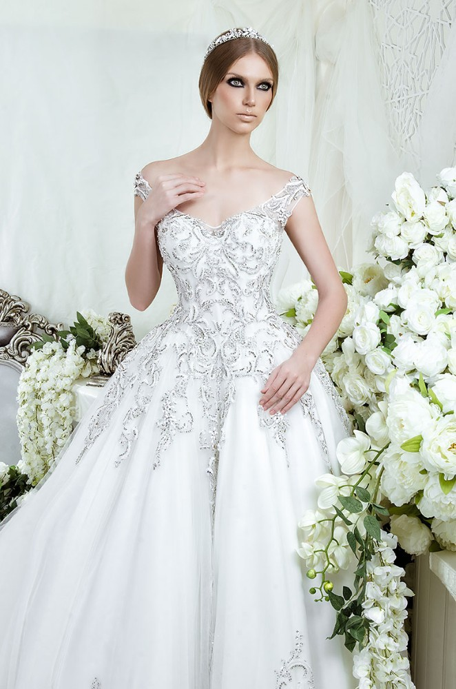 Luxury bridal gowns designs rw1523 crystal beaded cap for Luxury ball gown wedding dresses