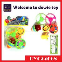 Plastic juguete flash spinning peg trompo with emisor