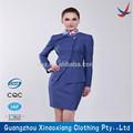 la moda de azafata de avión uniforme