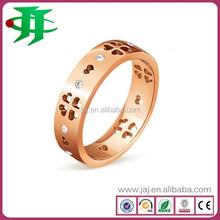 14K YELLOW GOLD FANCY COLOR TRILLION CUT DIAMOND FASHION RING