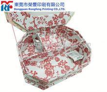 Classic heart shape cardboard gift box