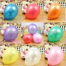 globo de colores de diferentes tamaños de globos