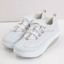Nature slimming shoes with upper material PU+Mesh made in China