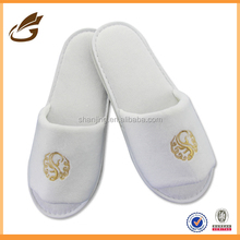 wholesale new design white hotel shoes China factory
