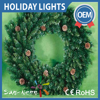 lighted outdoor christmas wreaths plastic christmas wreaths light up. Black Bedroom Furniture Sets. Home Design Ideas