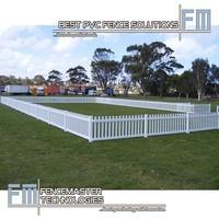 white vinyl straight temporary picket fence