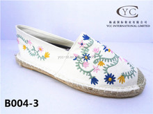 2015 new brand beautiful shoes fashion canvas shoe with great price with hemp and embroid design