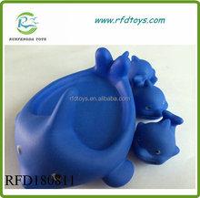 Soft vinyl floating dolphin bath toys cheap bath toy sets