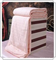 Hot sale 2015 Hotel patchwork 5 star workmanship silk duvet /comforter set ( Fill 0.8 kg)
